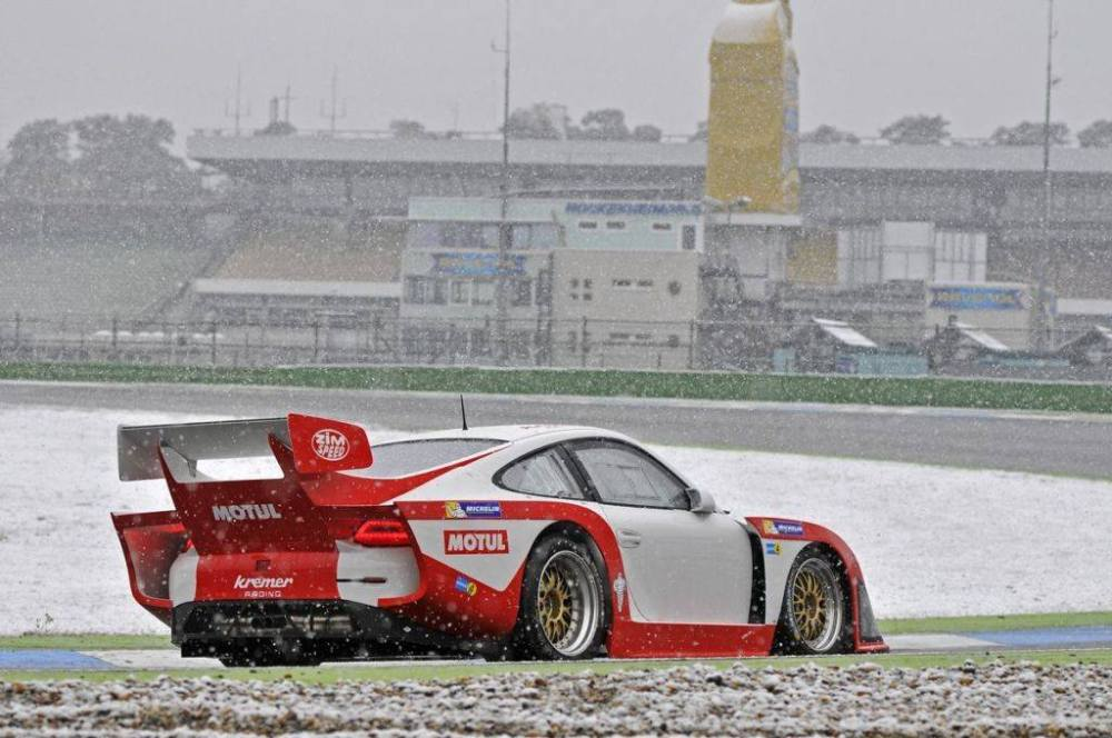 Kremer 997 K3 race car - a return to the styling of Group 5; racing in 2016